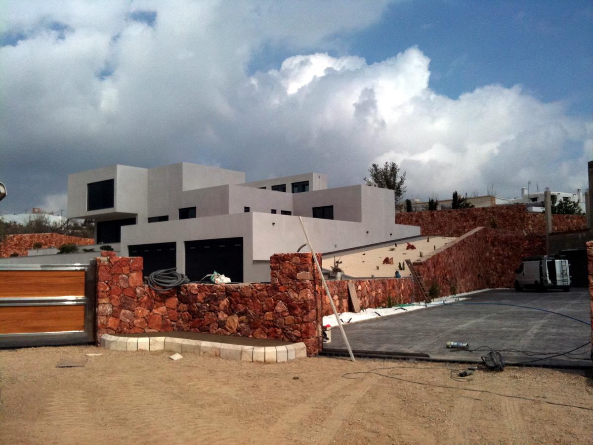 2010-047